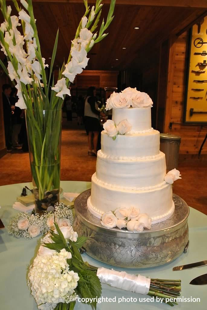 Wedding Display at Lone Oaks Farm
